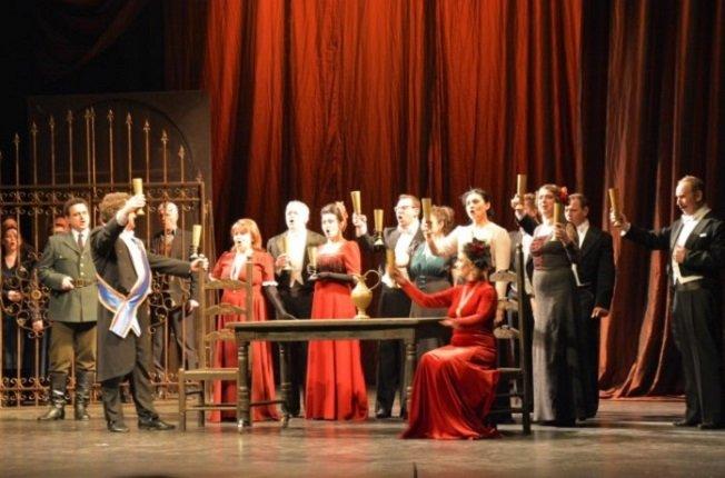 Macbeth sobre el escenario del Teatro Circo de Albacete