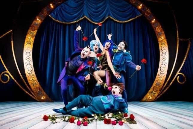 The Opera Locos en el Teatro Victoria de Hellín
