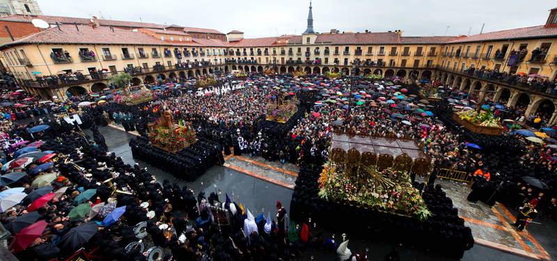Encuentro en la Plaza Mayor Semana Santa