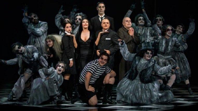 La Familia Addams irrumpe en el Teatro Circo de Albacete